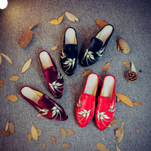 size34-43 flat shoes women sneakers ballet flats slippers embroidered Chinese style loafers Casual Hand-Painted