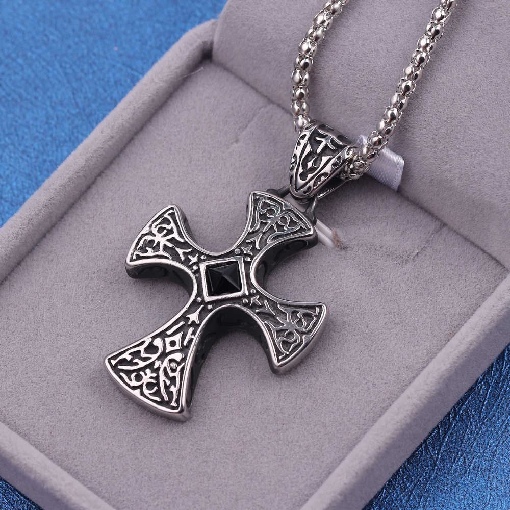 Retro Black Natural Stones Cross Charms Pendant Necklace Mens Large Maltese Cross Black Rhinestone Center Pendant