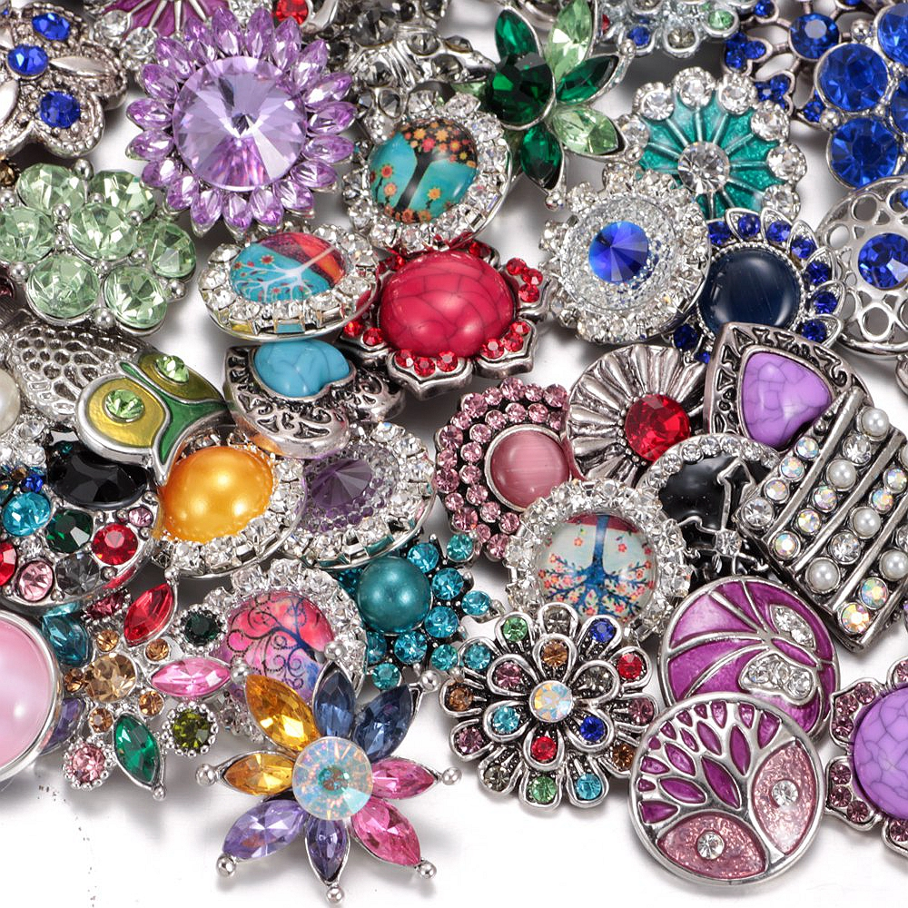 2017 Wholesale 100pcs/lot Amazing Styles Rhinestone/Opal/Natural Stone Metal Buttons 18mm snap button Jewelry for Snaps Jewelry-in Charm Bracelets from Jewelry & Accessories    1