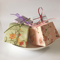 50pcs  Floral Candy Boxes with Ribbon Wedding Favors Supplies Birthday Party Decoration  Gift Box for Guest Baby Shower