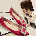 Europea del diamante hebilla Satinado tamaño de los zapatos planos de zapatos de mujer en primavera y otoño señaló zapatos zapatos rojos de la boda