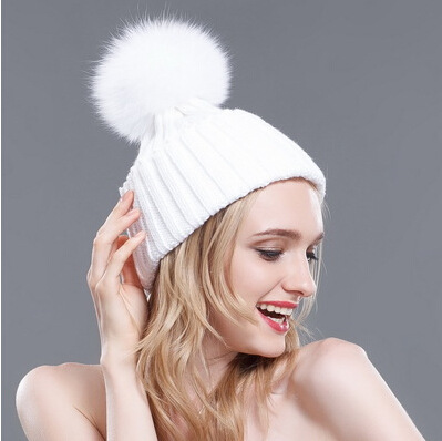 Fashion Autumn And Winter Korean Style Warm Knitted Hat For Women Fox Raccoon Fur Ball Female Knitted Wool Hat Free Shipping winter hat direct selling man and woman 2017 new fashion warm wool knitted hat korean style winter skullies