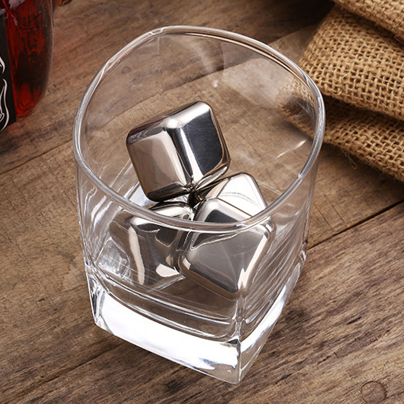 1 Pcs High Quality Stainless Steel Ice Cubes Magic Resuable Chilling Stones For Vodka Whiskey,Beer Cooler Holder Free Shipping