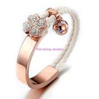 Haute qualité blanc zircone cubique Clover Charm Bracelet & Bangle blanc couleur en cuir véritable Bracelets Bangles pour femmes bijoux