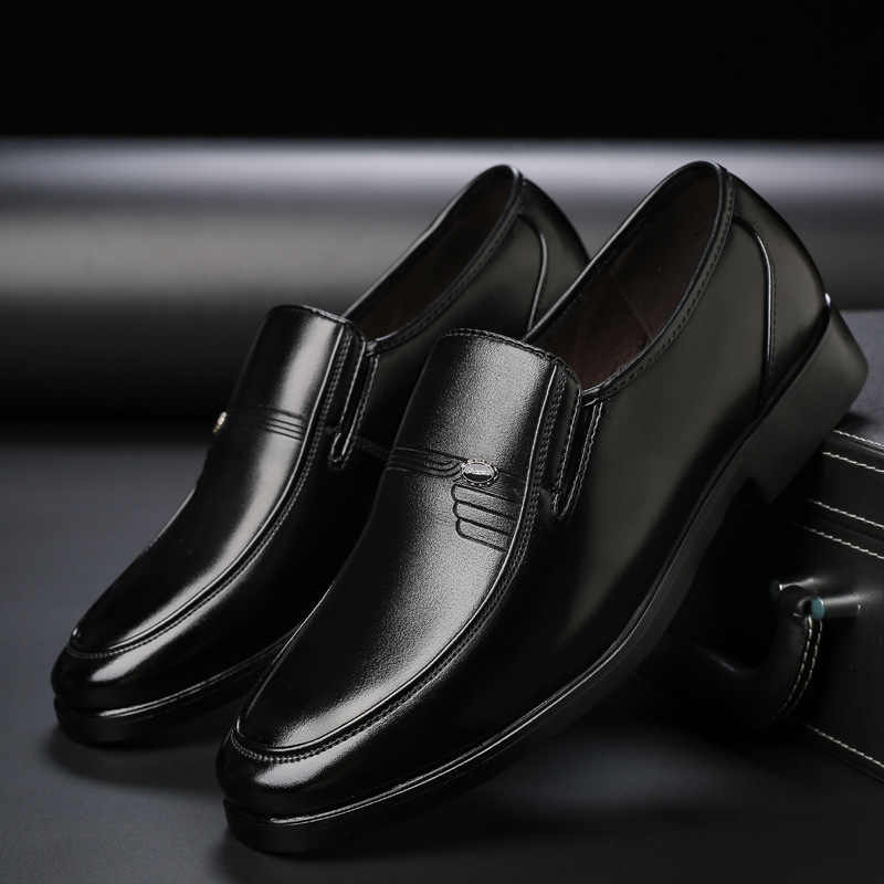 Mocasines Mazefeng 2019 de cuero de PU a la moda para hombres, zapatos de negocios con punta redonda, zapatos negros Oxford, zapatos formales transpirables para boda