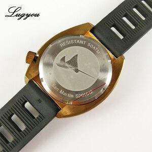 Image 5 - Lugyou San Martin Vintage Männer Uhr Bronze Sapphire Leucht Lünette California Grün Zifferblatt Gummi Schwarz 500m Wasser Widerstand Glow