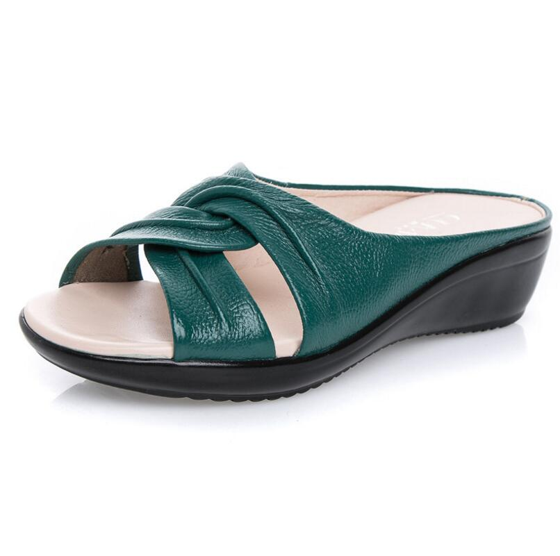 Summer women sandals slippers flat 2018 Soft and comfortable Mom wedges sandals plus size genuine leather shoes woman slippers new arrival star same paragraph woman slippers summer plus size comfortable attractive sapatos hot sales soft tenis feminino