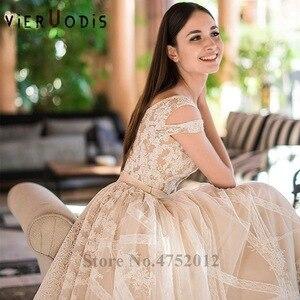 Image 2 - Vestidos De Novia 2019 Yeni Tasarım Şapel Tren A Line düğün elbisesi Zarif Kolsuz Dantel Aplikler Tül gelin kıyafeti