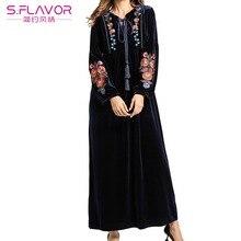S. sabor outono inverno feminino manga longa rendas até colarinho vestido de veludo bordado flor maxi vestido longo quente vestido de veludo preto