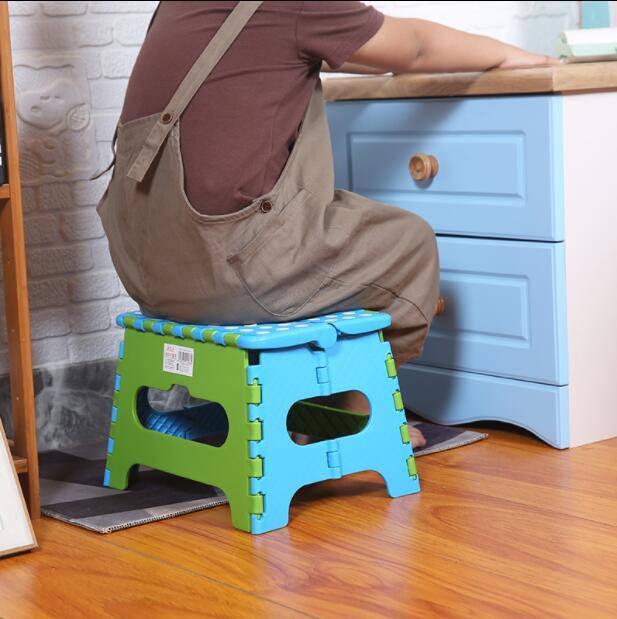 Plastic Folding Thicken Step Portable Children Stools (green blue) 1pc Folding stool outdoor fishing desk 24*17*21cm C607