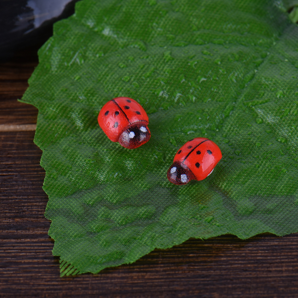 24pcs/set Mini Ladybird Models Cute Miniatures Red Ladybird Home Table Decoration Micro Landscape Miniascape DIY Toys For Kids