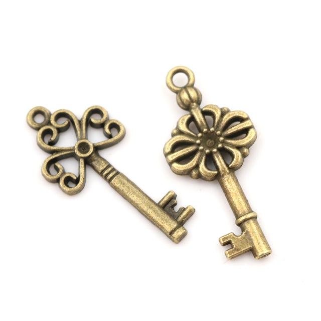 18pcs/sets Bronze Ornate Skeleton Keys Lot Antique Vintage Old Look Necklace Pendant Fancy Heart Decor DIY Craft Gifts 2