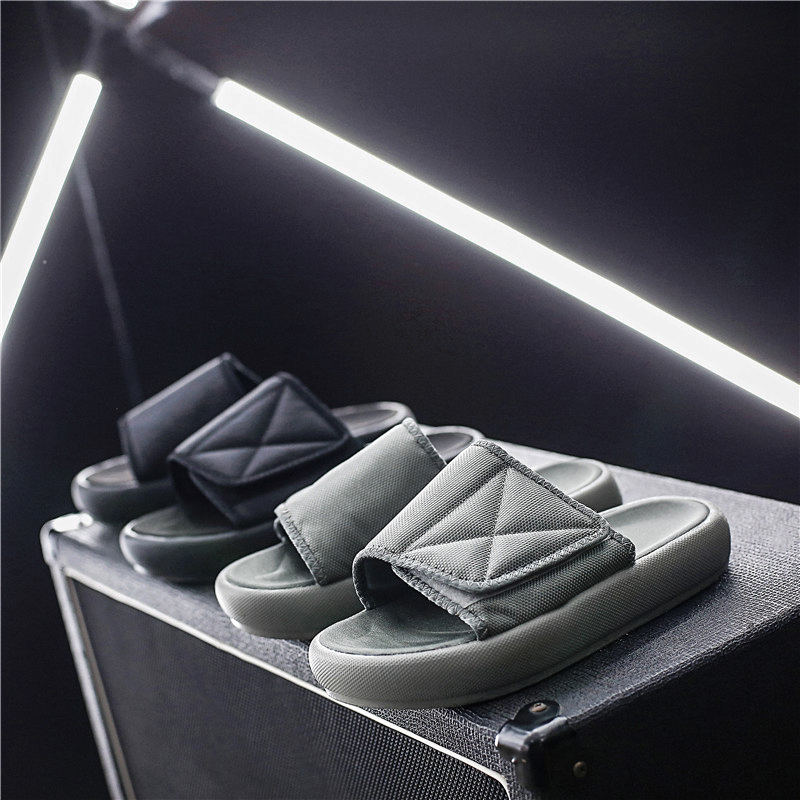 Men Water Sport Sandals Summer Breathable Water Men Shoes Beach Light Anti-Slip Water Sandals Sport Shoes Men Sneakers