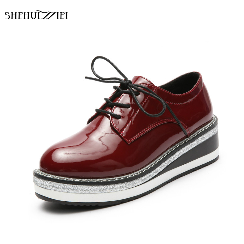 SHEHUIMEI 2018 Spring Women Platform Shoes Woman Brogue Patent Leather Flats Lace Up Footwear Female Flat Oxford Shoes for Women instantarts flat shoes women breathable cute cartoon elephant sneakers footwear female casual lace up air mesh flats woman shoes