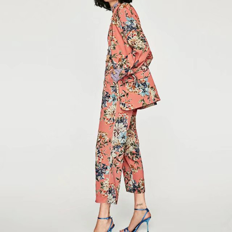 Suit female pants suit 2019 summer new women 39 s fashion print long sleeved small suit jacket casual pants two piece in Pant Suits from Women 39 s Clothing