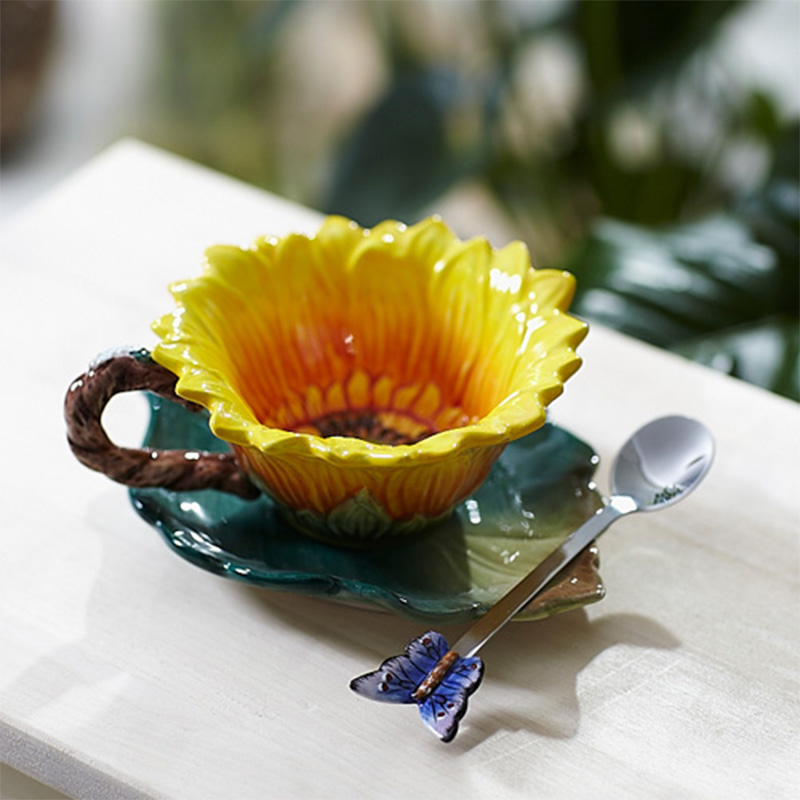 Creative Sunflower Enamel Porcelain Cups Ceramic Coffee Cup Original Taza Copo Home Decor Porcelain Butterfly Spoon