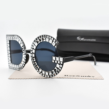 Fashion Crystal Diamond Round Sunglasses Women Luxury Brand Plastic Oversized Sun glasses Vintage Shades Ladies Oculos Top