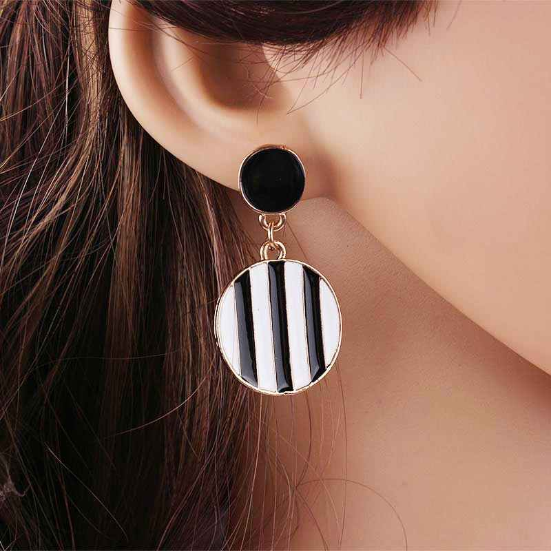 Fashion Statement Earrings 2019 Round Geometric Earrings For Women Wedding Bridal Black and White Earring Indian Jewelry EB169