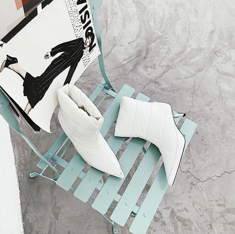Caricamenti Scarpe Da Del 2018 Inverno On Stivali Di Giù Brevi Delle Tacco Modo Bianco Nero Punta Sistema Strano Calde Slip Prova Nero Donne A Il bianco Caldo Perfetto Neve Xq0waxwSI