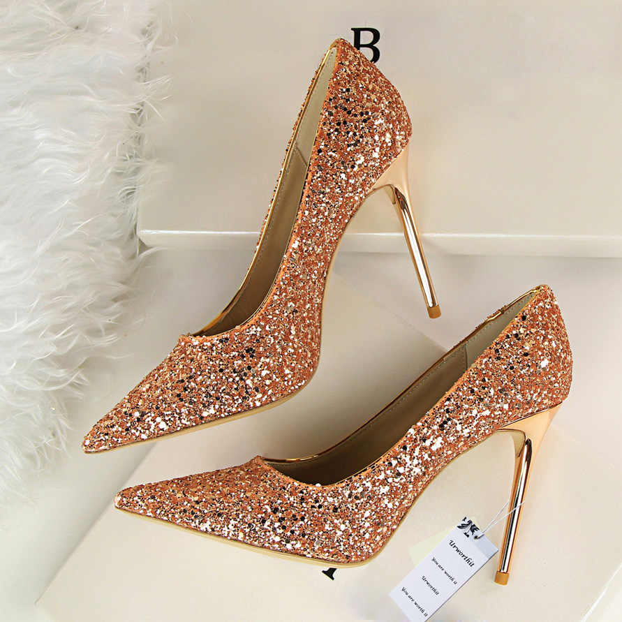 2018 Designer Luxury 2018 Women Bling Wedding Shoes Glitter Pumps Female Sexy  High Heel Party Scarpins c46639423a39