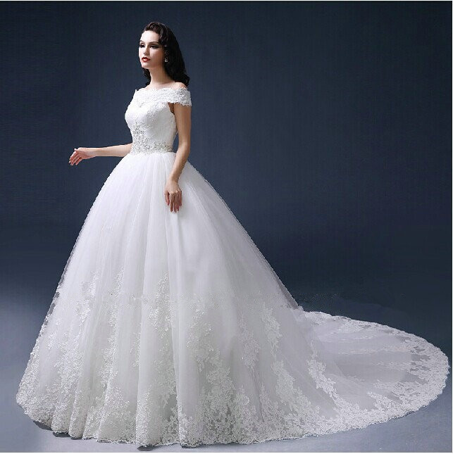 High quality Luxury custom 2015 new style Vestido de noiva lace sleeveless ball gown wedding dresses boat neck appliques in Wedding Dresses from Weddings Events