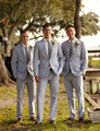 2016 New Custom Made Fashion Grey Mens Groom Tuxedos Groomsman Suits Wedding Dress Suits Formal Party Tailcoats