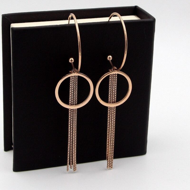 Europe and America large rose gold C-shaped box chain circle earrings fashion beauty wild titanium steel women's earrings