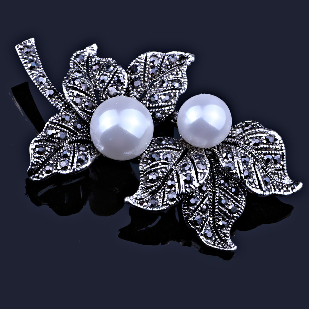 Imitation Pearl Jewelry Black Gun Plated Feather Brooches for Women Scarf Dress Accessory Vintage Rhinestones Brooch pins