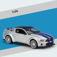 лучшая цена 1:24 Alloy Car Diecasts & Toy Vehicles  Car Model Toy Car toys & hobbies Christmas Gift
