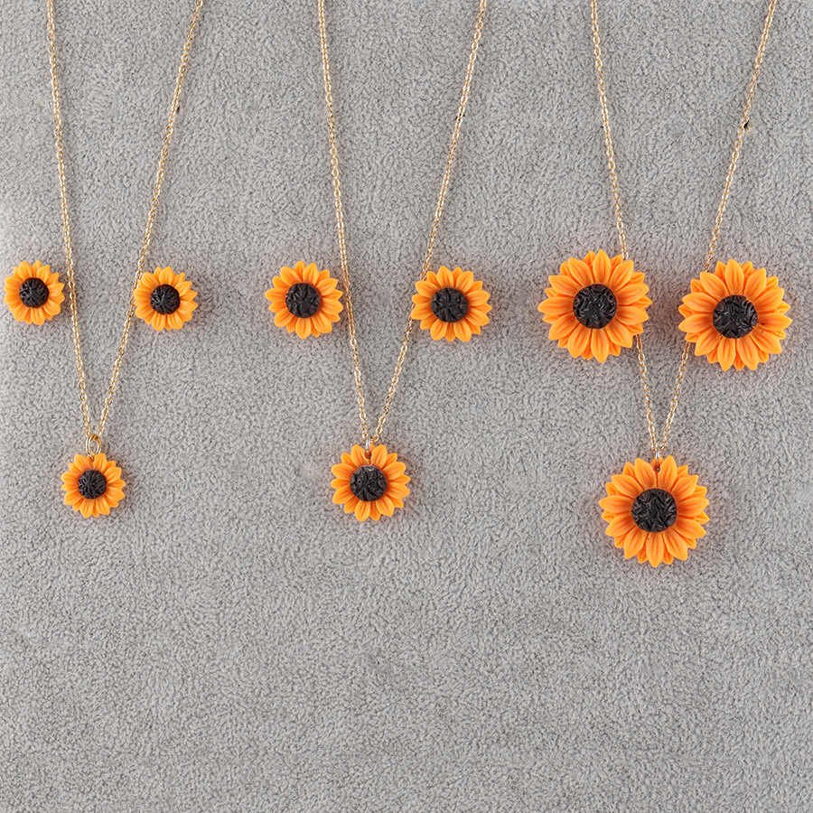 New Sunflower Stud Earrings Necklace Jewelry Set 15mm 18mm 25mm Resin Flower Collar Necklace for Women Girl Jewelry Gift