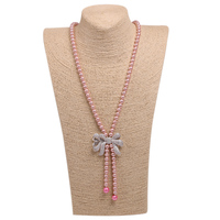 Donne eleganti Lunga collana di Perle Pendenti Pure Naturale Shell Borda Rosa Colore Bowknot Connettori Collane All'ingrosso