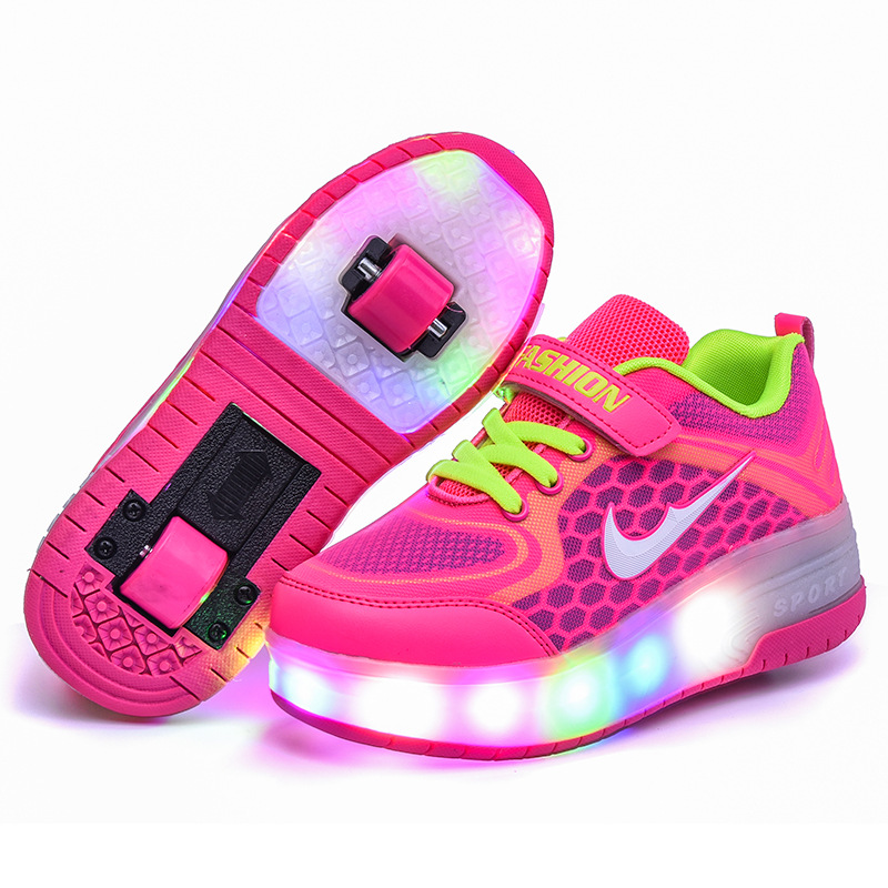 Runaway Shoes Colorful LED Lights Children Shoes Wholesale Boys and Girls Luminous Sports Shoes Roller Skates Shoes with Wheels цена 2017