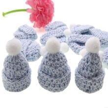 Миниатюрная вязаная шапка ручной работы для детского душа 12