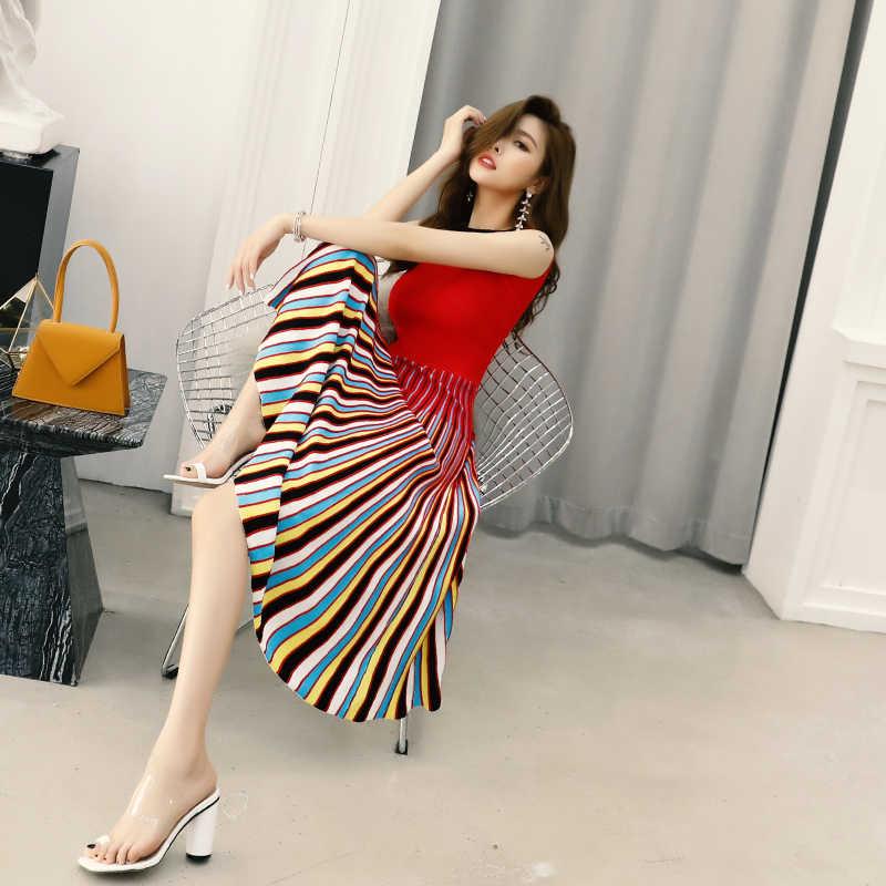 2020 mode Neue Multi Gestreiften Ärmelloses Bodaycon Kleid Frauen Dünne Art Und Weise Faltete Beiläufige Gestrickte Midi Kleid Elegante C-170