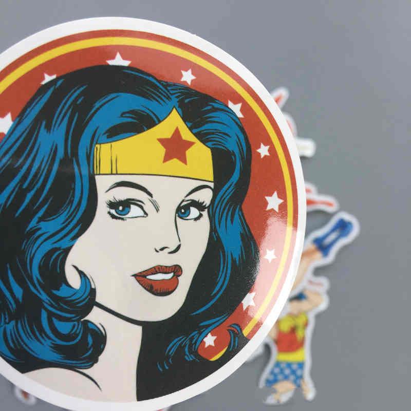 WONDER WOMAN *OFERTA* Pegatina Sticker