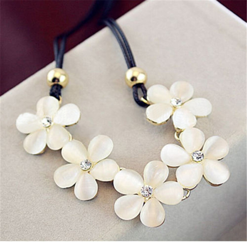 Bohemian Decorative Necklace Female Clavicular Chain Details For Women Fashion Crystal Flower Charm Choker Chunky Statement