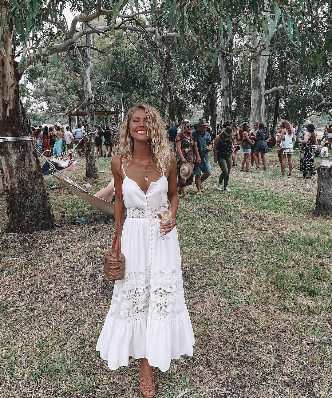2018 Sexy dentelle sans bretelles femmes robe solide couleur dos nu longue robe blanche douce princesse plage robe Patchwork Boho robes
