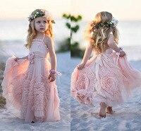 Bohem Tarzı Pembe Çiçek Kız Elbise Düğün Çocuk İlk Communion Elbise Kat Uzunluk Dantel Ruffled Elbise 2018 Custom Made