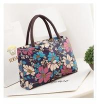 Die neue beiläufige handtasche dual-port lunchpaket wasserdicht nylon handtasche lässig totes mutter der floral taschen