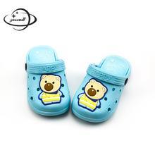 Детские шлепанцы и сабо; Летние сандалии для мальчиков и девочек; пляжные шлепанцы на плоской подошве с рисунком медведя; детская садовая обувь; y12