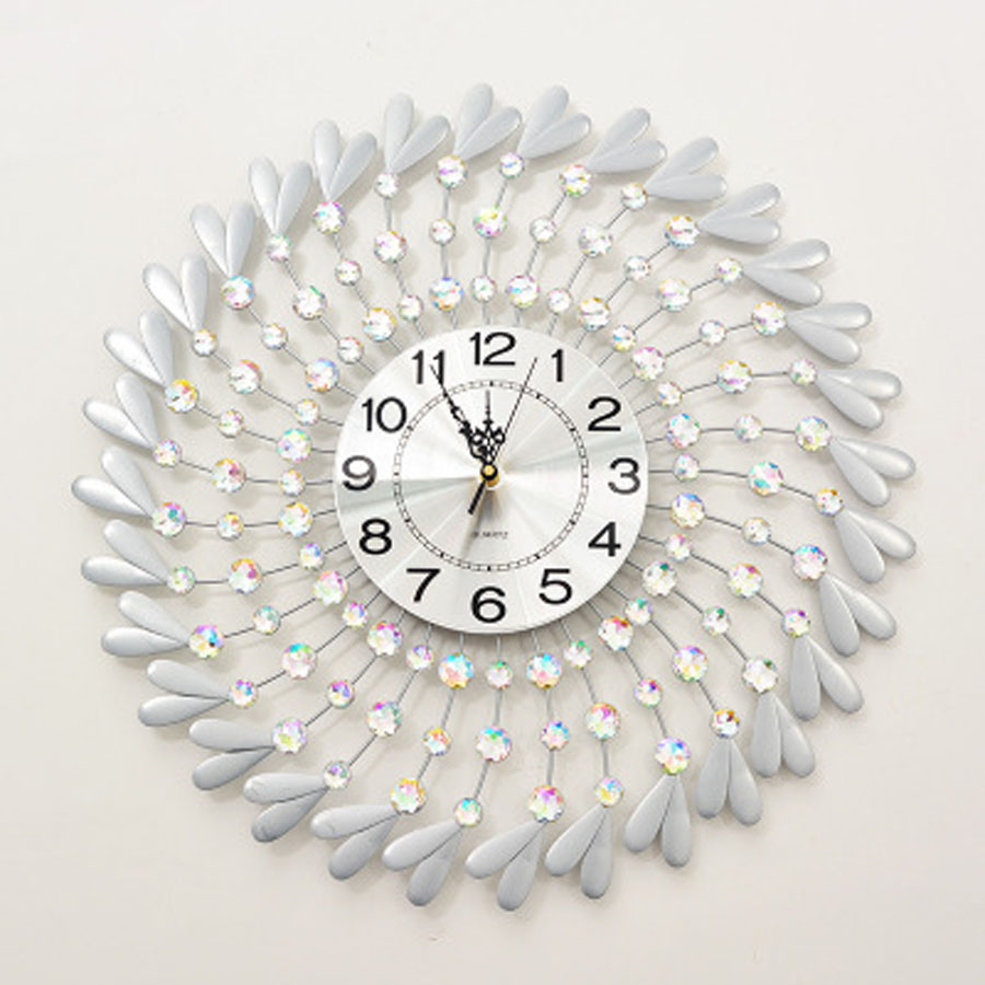 Large Wall Clock Modern Design 3D Decorative Creative Metal & Clear Crystal Diamond Clocks Wall Watch Home Decor Silent