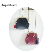 Angelatracy 2018 Classical Velvet Tassel Women Bag Solid Wristlets with Chinese Frame Bags Antique Vintage Retro