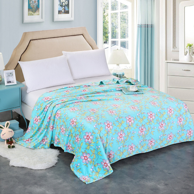 cheap 200x230cm new arrived big size flower blankets for beds fleece