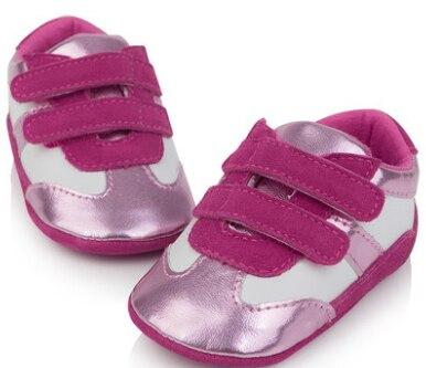 Т. С. детская обувь Первые Ходоки 0-1Age Подлинная Мягкая Кожа Младенца мальчики Девочки Противоскользящие Новорожденных детская кровать в обуви Детская Обувь Малыша Подарок