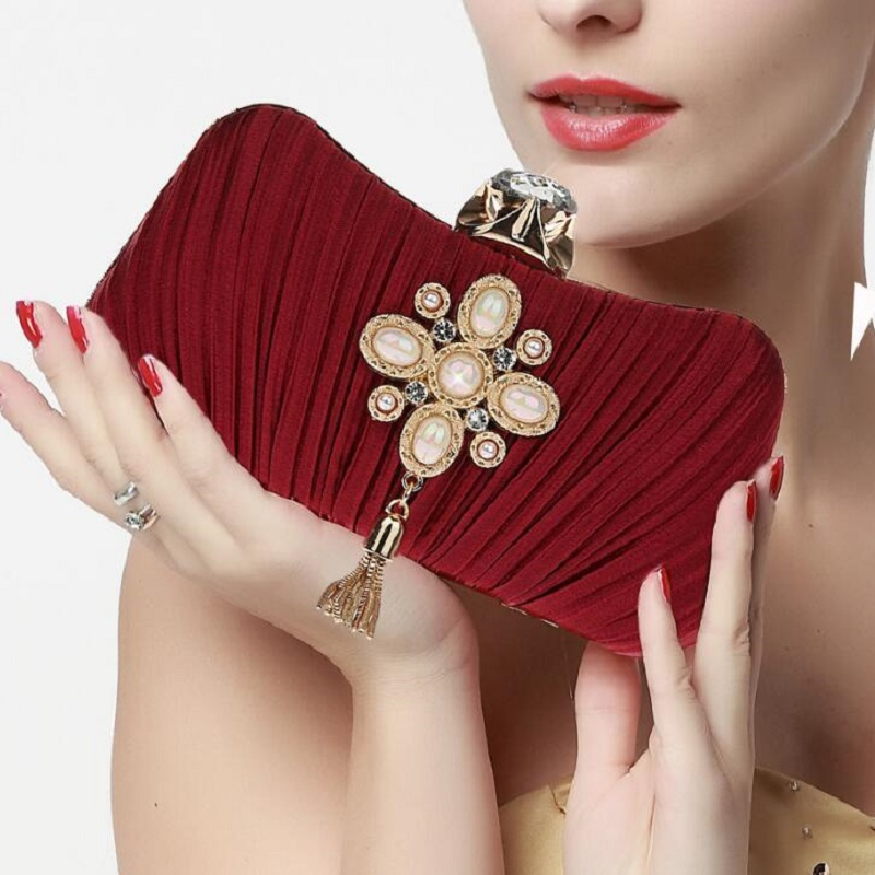 Fashion Women Satin Clutch Bag Luxury Pearl Bead Wedding Handbag Tassel Party Purse Women Silk Evening Bag Bolsa Mujer