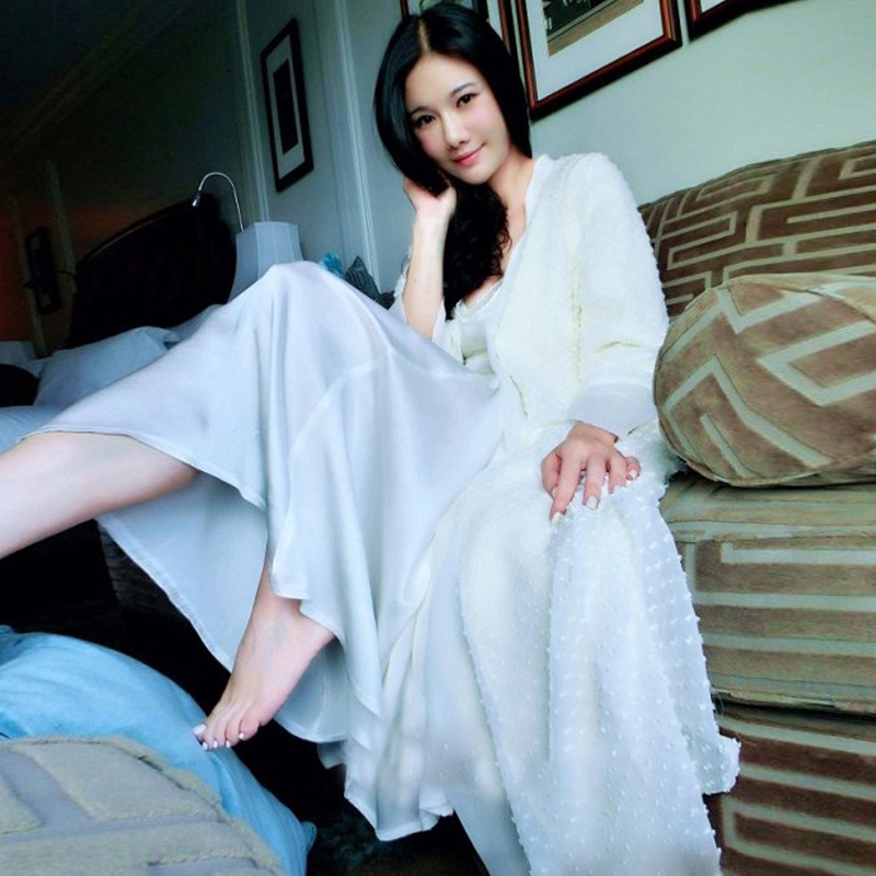 Free Shipping Winter Women s Long Robe Beige Sleepwear Thicken Princess Nightgown