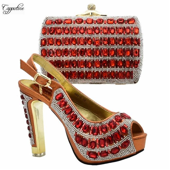 Main Or Ensemble 12 Strass Pompes Belles Chaussures De 6 988 Du Mode Avec Décoré À Cm Sac Hauteur Sacs Talon Et dqPnOfO