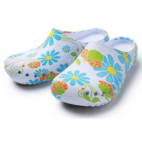 Fashion Print Flower Hospital Shoes Medical Slippers Summer Foot Protection Surgical Shoes Medical Accessories