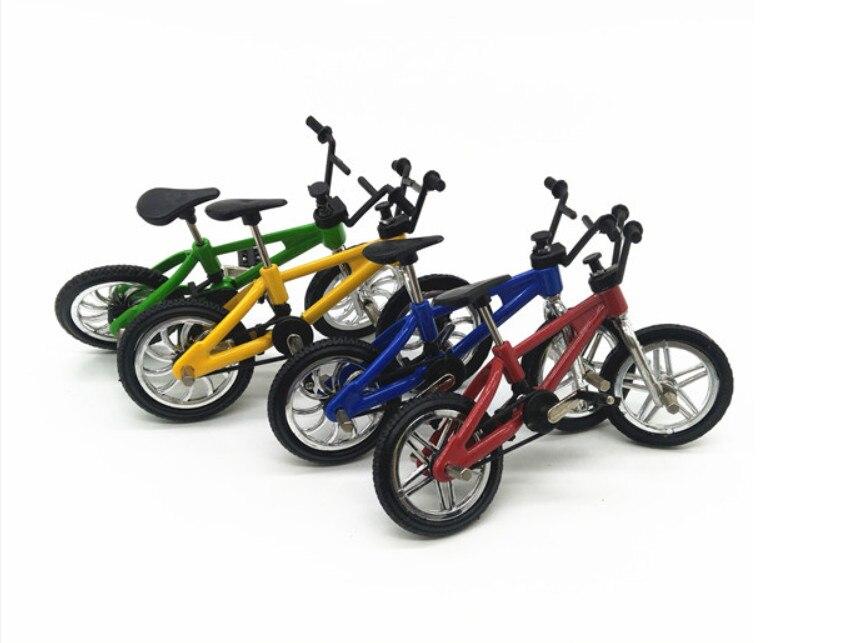 simulation model of bicycle climbing scene decoration ...