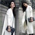 Высокое качество 2017 новая взлетно-посадочная полоса осенью abrigos mujer длинным рукавом белый шерстяное пальто женщины ногтей бисера открыть вилка пальто